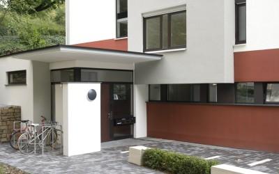Ulaz u kuću – tanka granica između privatnog i javnog